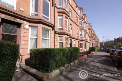 Property to rent in Flat 2/1, 11 Waverley Gardens