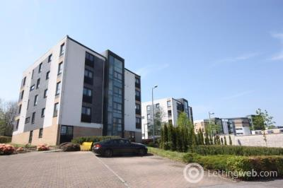 Property to rent in Flat 3/4 6 Firpark Close