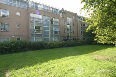 Property to rent in Flat 1/1, 9 Dyce Lane