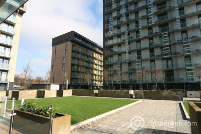 Property to rent in Flat 5/6 350 Meadowside Quay Walk