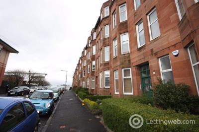 Property to rent in Flat 1/2 47 Esmond Street