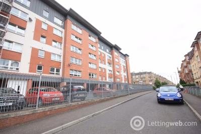 Property to rent in Flat 1/1, 11 Finlay Drive