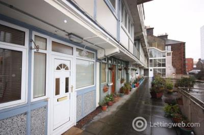 Property to rent in Flat F, 1618 Great Western Road