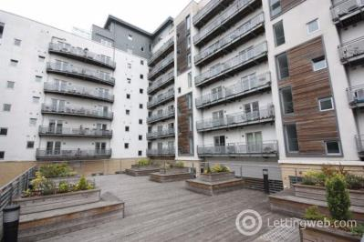 Property to rent in Flat 1/2 81 Port Dundas Road