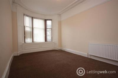 Property to rent in Flat 3/2, 57 Main Street