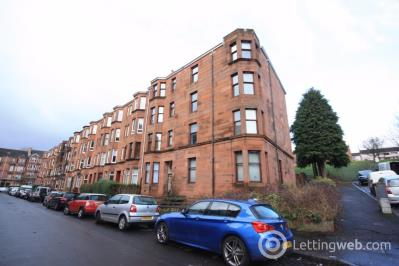 Property to rent in Flat 1/1, 16 Kennoway Drive