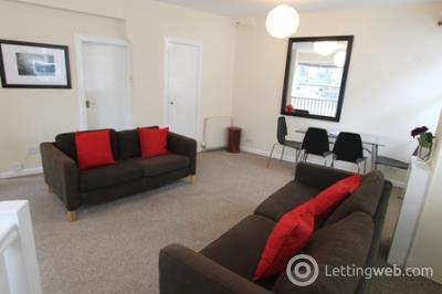 Property to rent in Dalmeny Street