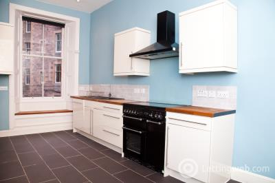 Property to rent in Bruntsfield Gardens, Edinburgh