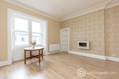 Property to rent in 174/10 Albert Street, Edinburgh, EH7