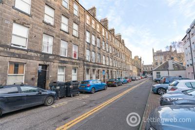 Property to rent in 14/2 Kirk Street, Edinburgh, EH6