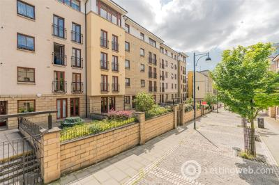 Property to rent in 19/12 High Riggs, Edinburgh, EH3