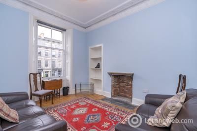Property to rent in 42/2 Elm Row, Edinburgh, EH7