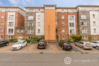 Property to rent in 5/3 Albion Gardens, Edinburgh, EH7