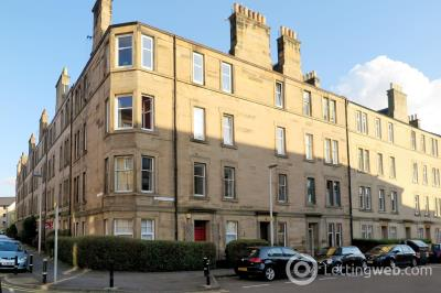 Property to rent in Roseburn Drive