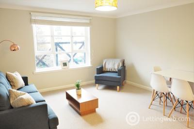 Property to rent in Russell Gardens