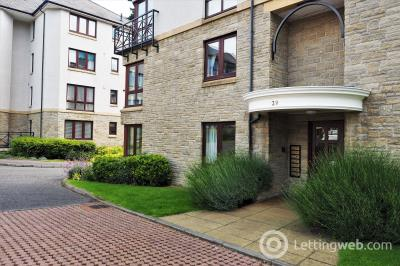 Property to rent in Greenpark