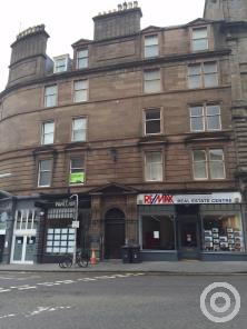 Property to rent in 6 2/L Whitehall Crescent