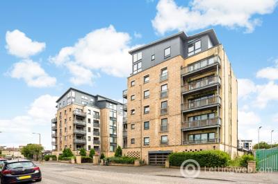 Property to rent in Hawkhill Close, Edinburgh, EH7 6AL