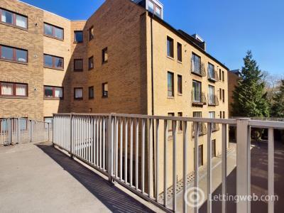 Property to rent in East Parkside, Newington, Edinburgh, EH16 5XN
