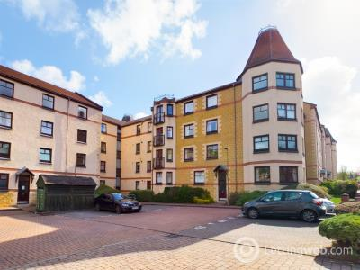 Property to rent in West Bryson Road, Polwarth, Edinburgh, EH11 1EH