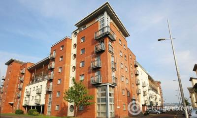 Property to rent in 108 South Victoria Dock Road