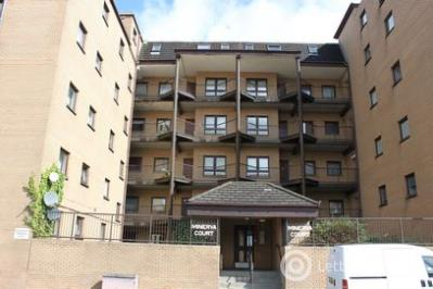 Property to rent in Minerva Court, Glasgow, G3 8LD