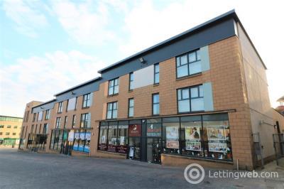 Property to rent in Castle Street, Hamilton, South Lanarkshire, ML3 6BU
