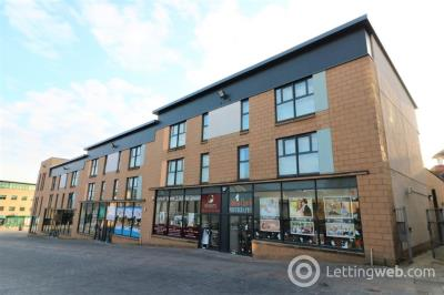 Property to rent in Castle Street, Hamilton, South Lanarkshire, ML3 6BU
