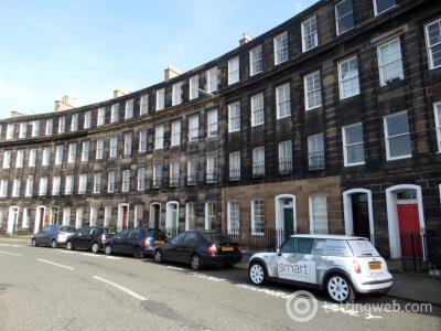 Property to rent in 24/2 Gardner's Crescent