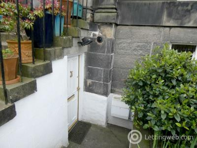 Property to rent in Vanburgh Place, Leith Links, Edinburgh, EH6 8AE