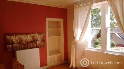 Property to rent in West Street, Penicuik, Midlothian
