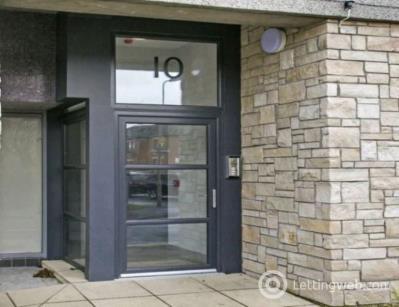 Property to rent in Bank Street, Penicuik, Midlothian
