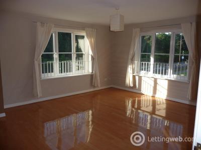 Property to rent in Queens Crescent