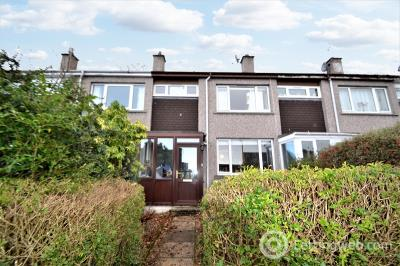 Property to rent in 5 Charleston Place, Inverness, Highland. IV3 8NB