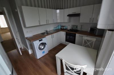 Property to rent in South Street, Greenock, Inverclyde, PA16 8UE