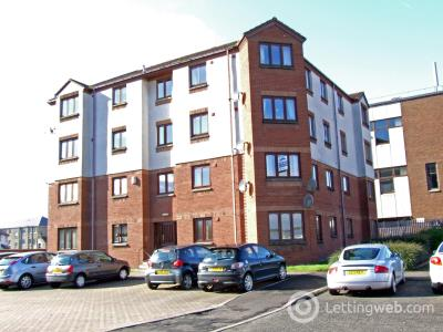 Property to rent in Russell Street