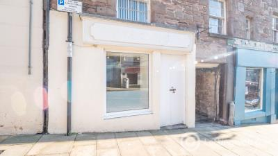 Property to rent in 11 High Street