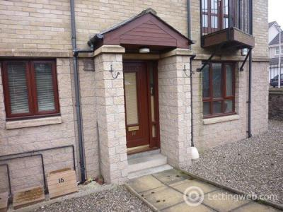 Property to rent in 16 BAXTER PARK APART