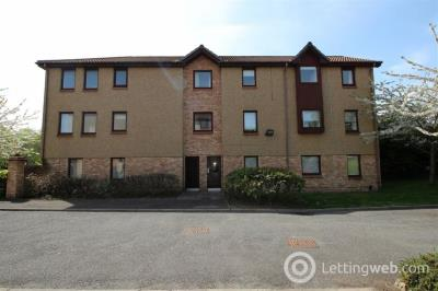Property to rent in 2F Sloan Place, Irvine, North Arshire, KA12