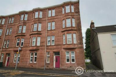 Property to rent in 2/1 38 James Street, Helensburgh, G84