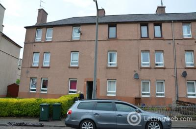 Property to rent in Stenhouse Gardens North