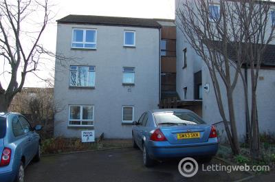 Property to rent in 10/3 Seafield Avenue, Edinburgh