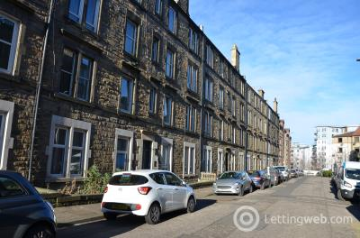 Property to rent in Dalgety Avenue