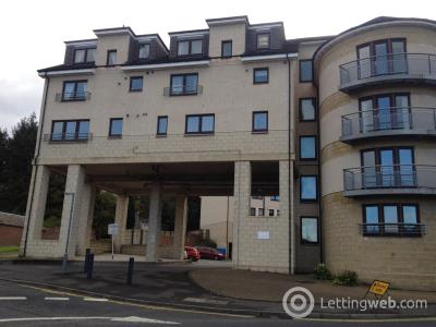 Property to rent in James Short Park
