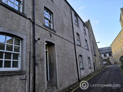 Property to rent in Castlehill Place