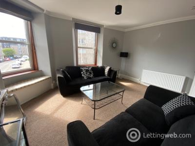 Property to rent in 1st Floor flat, 32 South Mount Street, Aberdeen