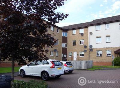 Property to rent in Lees Court, Coatbridge, North Lanarkshire, ML5 4NT