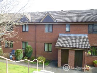 Property to rent in 8 Kirkpatrick Court, Dumfries, DG2 7DG