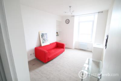 Property to rent in Tannadice Street Dundee