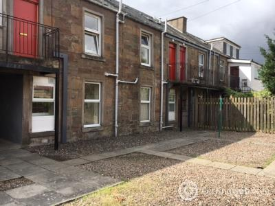 Property to rent in Clepington Road, Coldside, Dundee, DD3 7UE